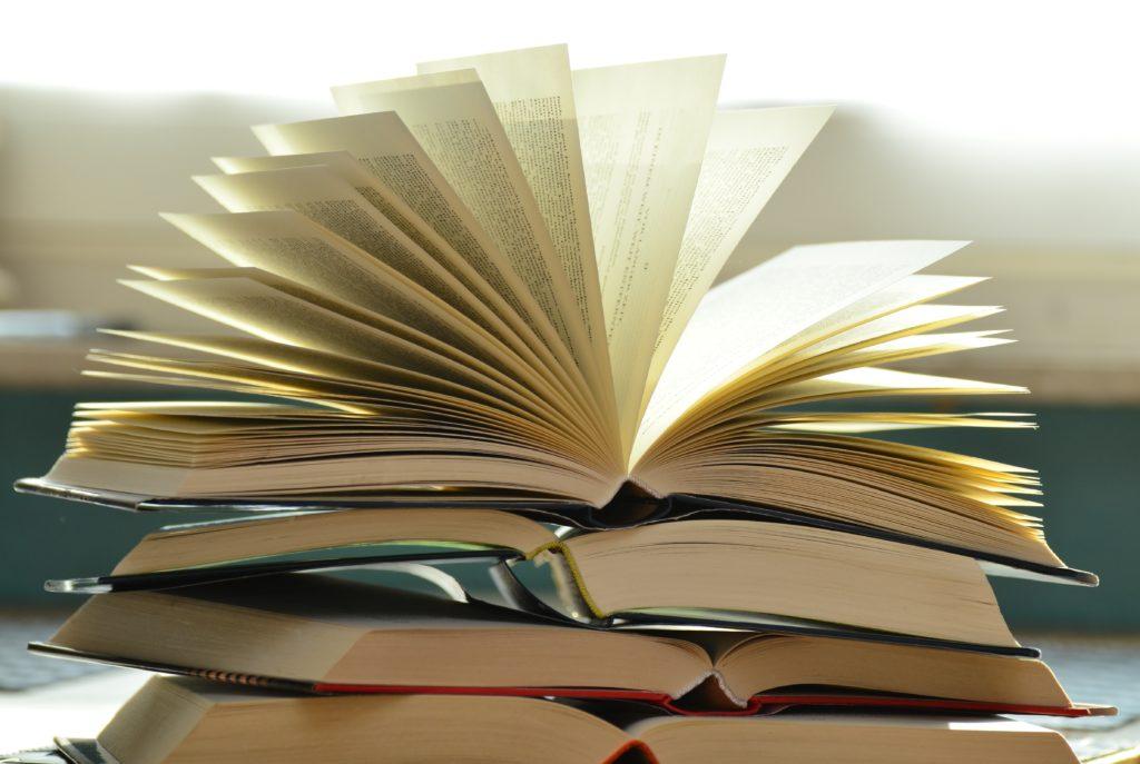 Leer en papel reduce el estrés